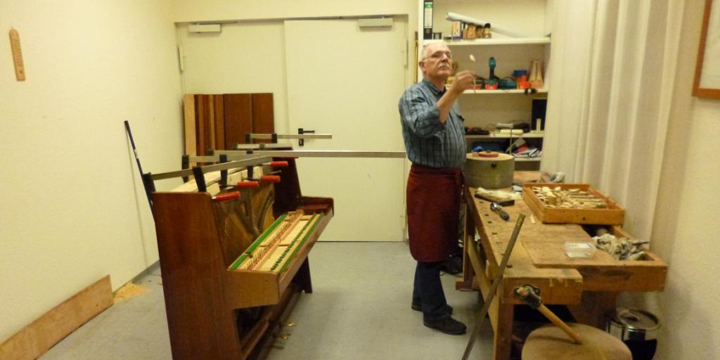 Reparaturen im Klavier-Salon-Gläser